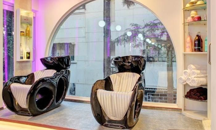 Rs.199 For Salon Services at Envivo Lounge Salon
