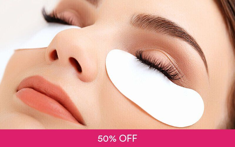 1x Classic Silk Eyelash Extension Deals for only Rp199.000 instead of Rp400.000